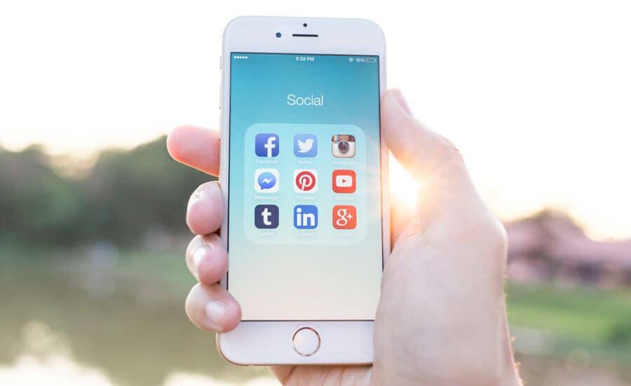 Pflege deine Social-Media-Kanäle mit dem Smartphone